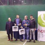 Éxito  de  nuestros  jugadores  en  el  campeonato  de  Euskadi  de  pádel  de  veteranos  celebrado  este  fin  de  semana  en  Jolaseta.