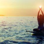 SUP YOGA, el placer de relajarse en la bahía de La Concha